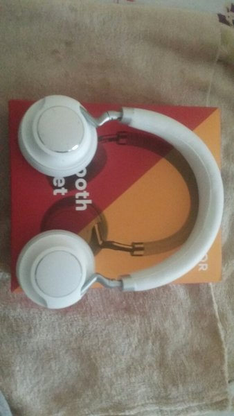 Used Honor Bluetooth headset in Dubai, UAE