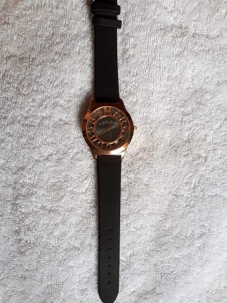 Used Marc Jacobs watch rose gold black in Dubai, UAE