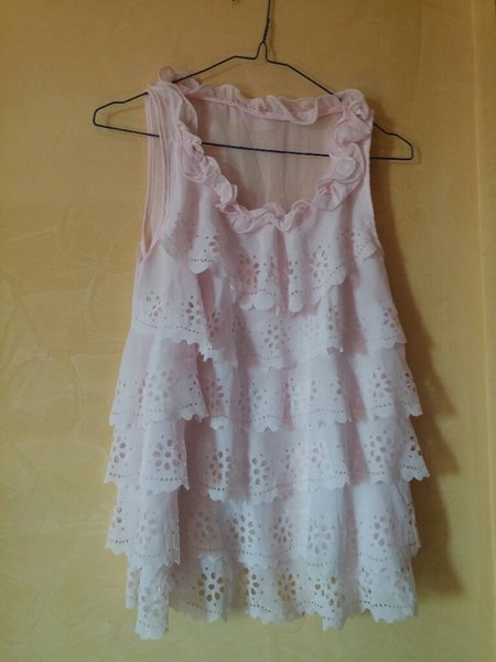 Used Cute pink frilly shirt in Dubai, UAE