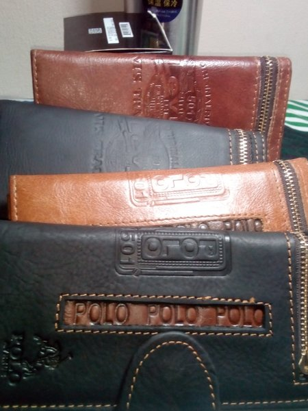 Used Original leather(skin) wallet cofee brow in Dubai, UAE
