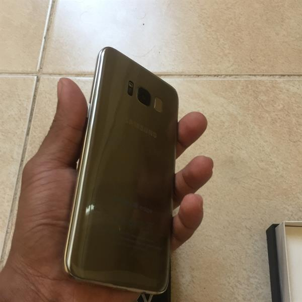 Used Samsung Galaxy S8 Gold Refurbished Box Packed With All Accessories  in Dubai, UAE