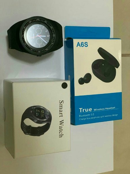 Used Bundle offer smart watch with earbud a6s in Dubai, UAE
