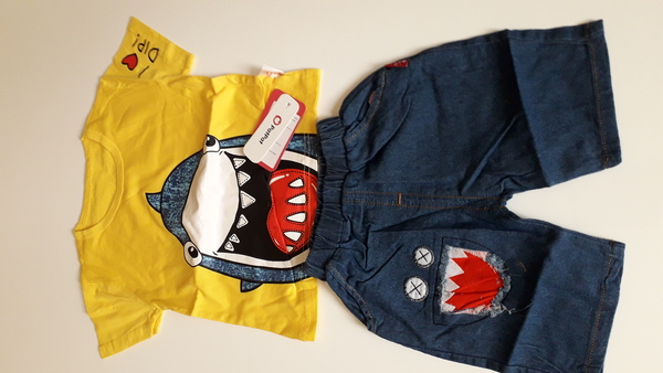 Used Tops and pants for kids in Dubai, UAE