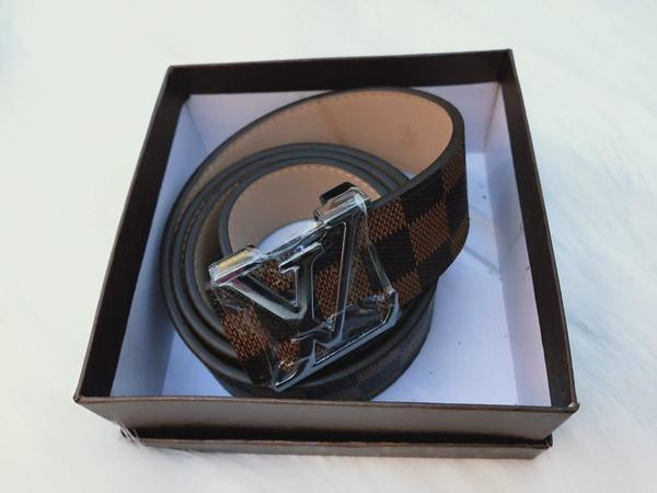 Used New lv belt  class A for ladies in Dubai, UAE