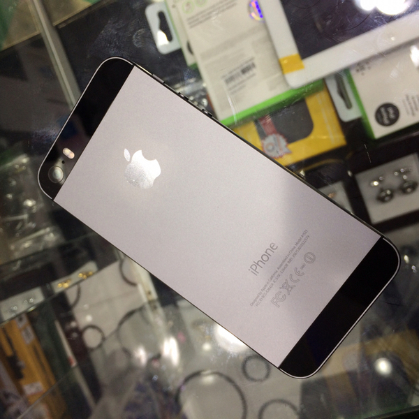 Used iphone 5s 16GB black in Dubai, UAE