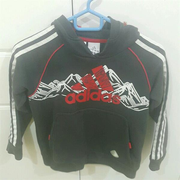 Used Addidas Hoodie Sweater 7-8 Years Lightly Used..in Very Good Condition in Dubai, UAE