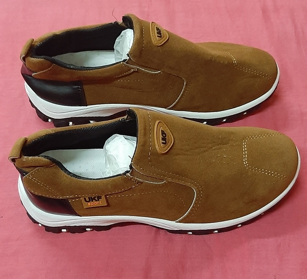 Used Leather casual sneakers for him, 43 ! in Dubai, UAE
