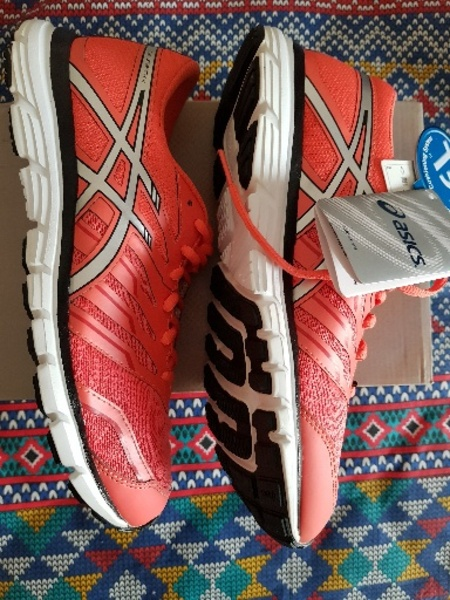 Used Original adidas and asics shoes (womens) in Dubai, UAE