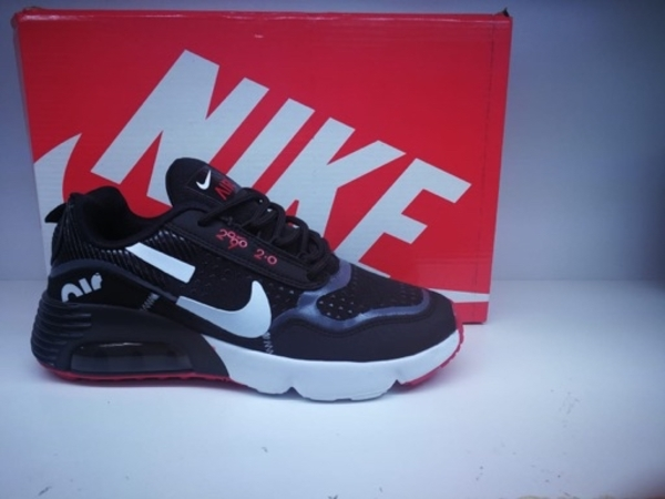 Used Nike shose 40 size in Dubai, UAE