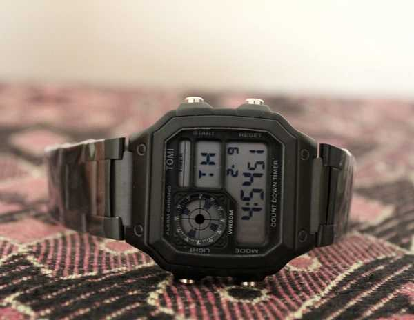 Used Original TOMI Metal Watch`▪︎NEW with BOX in Dubai, UAE