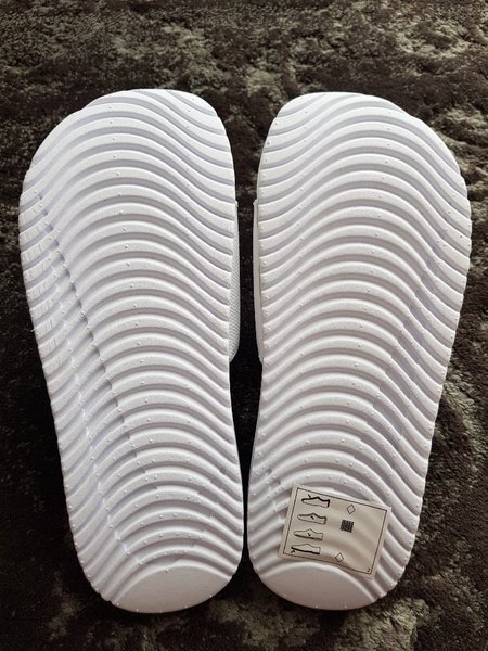 Used Nike slipper in Dubai, UAE