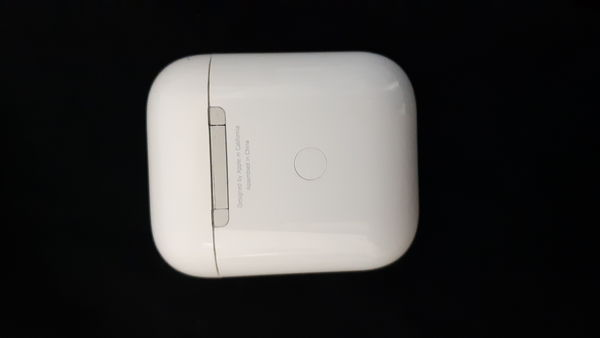 Used Airpods 2 for sale in Dubai, UAE