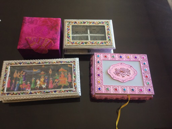 Used Gift box jewellery box sweet box new in Dubai, UAE