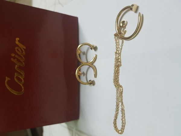 Used Set of earrings and necklace (copy) in Dubai, UAE