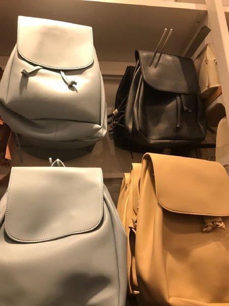 Used Bag packs leather material accessories in Dubai, UAE