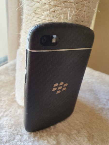 Used Blackberry Q10 like new in Dubai, UAE