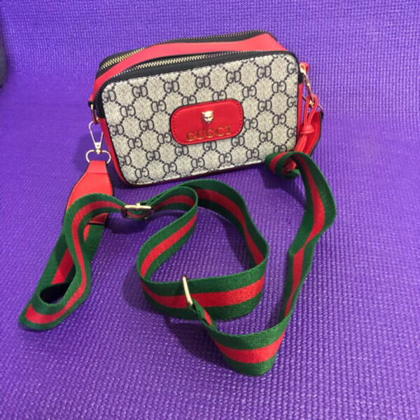 Used GUCCI COPIED SLING BAG in Dubai, UAE