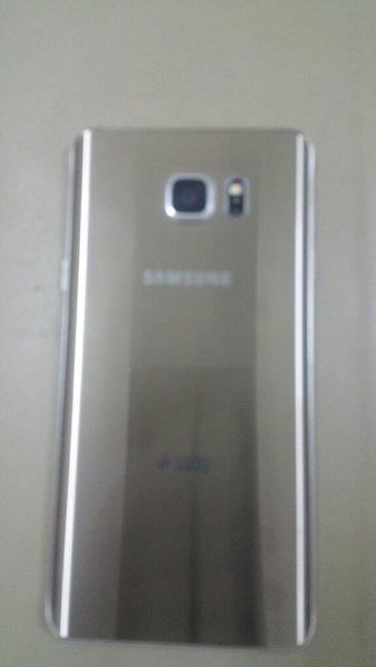 Used Note 5 gold 32 gb screen broken in Dubai, UAE