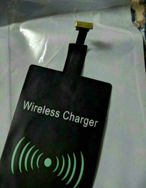 Used Lighting iPhone Mod Wireless Charger New in Dubai, UAE