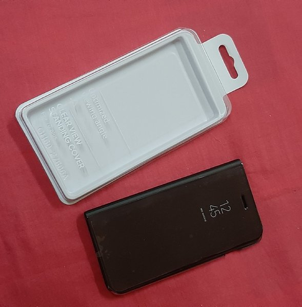 Used Clear view smart case ! in Dubai, UAE