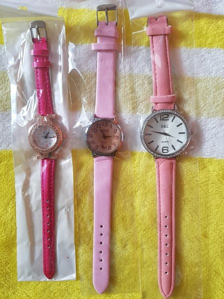 Used 6pcs watches all brand new in Dubai, UAE