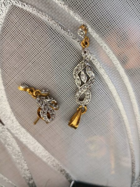 Used Gold plated pendent set take any 20 Aed in Dubai, UAE