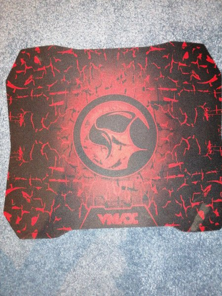 Used Vmax mouse pad red and black in Dubai, UAE