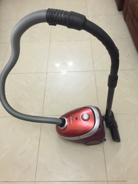 Used Samsung Vacuum Cleaner 1800W in Dubai, UAE