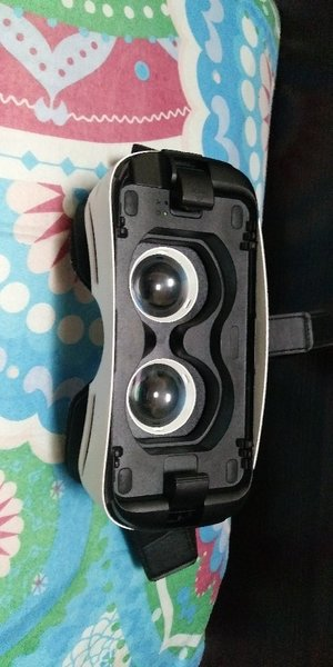 Used Samsung gear vr with 240 dhm coupon in Dubai, UAE