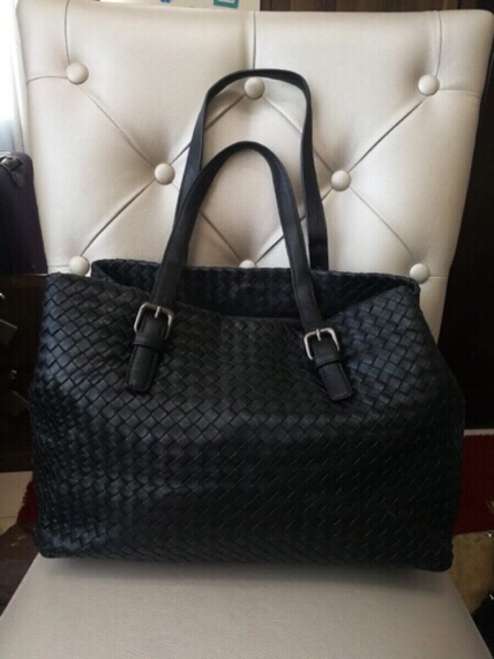Used BOTTEGA VENETA SOFT LEATHER BAG.. in Dubai, UAE