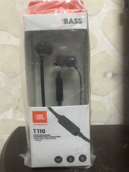 Used JBL IN EAR HEADPHONES in Dubai, UAE