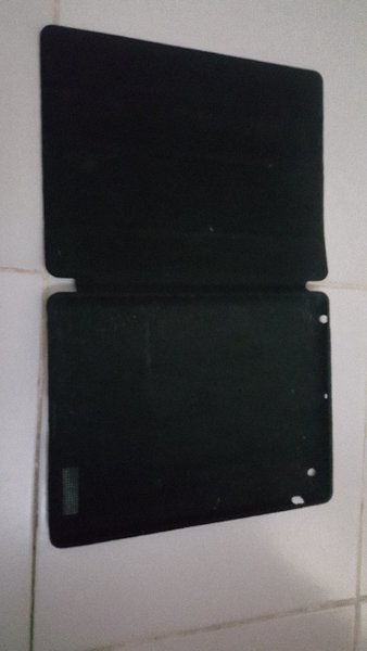 Used Ipad 2 with cover free in Dubai, UAE