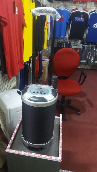 Used Bluetooth speaker only in 300 Dirham in Dubai, UAE
