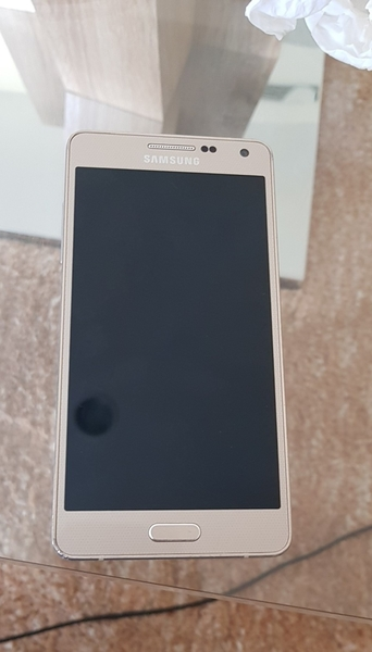 Used Samsung  GOLD A5 Good Condition No Box in Dubai, UAE