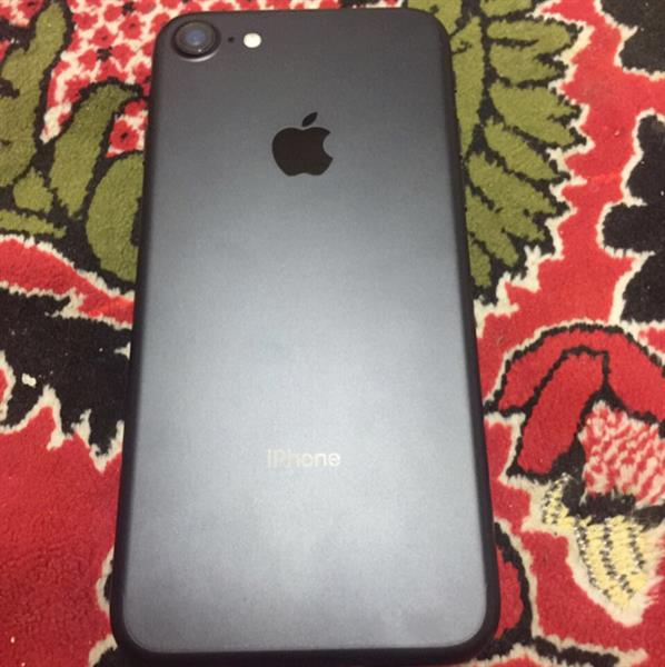 Used Iphone 7 256 Gb Matt Black in Dubai, UAE