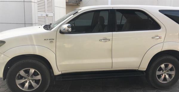 Used Toyota Fortuner 2007 Model White Color Excellent Condition Contact 0564745519 in Dubai, UAE