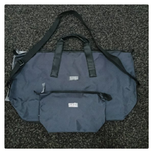 Used New travel bag and pouch in Dubai, UAE