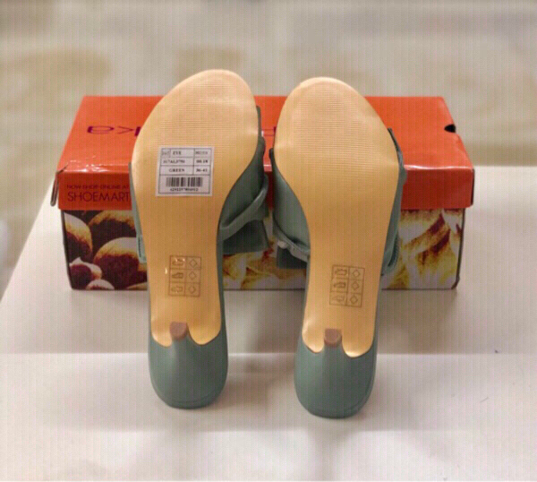 Used Paprika Low Heeled Shoes/ Green/38 in Dubai, UAE