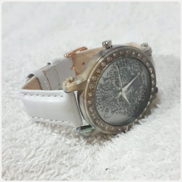 Used White TIGER watch for lady in Dubai, UAE