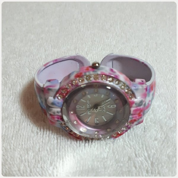 Used Pink bracelet watch for Girl in Dubai, UAE