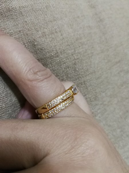 Used 2 pcs wesdding rings for him and her in Dubai, UAE