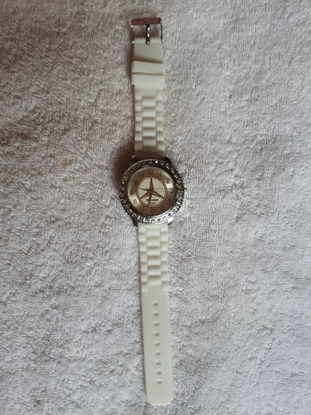 Used White watch Mercedes Benz in Dubai, UAE