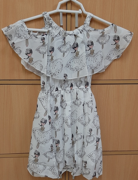 Used Dress.for.your.girl - 150cm in Dubai, UAE