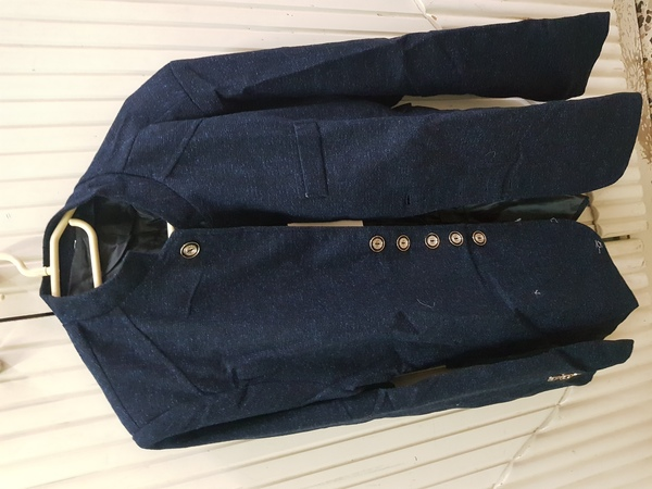 Used Mens casual suits   M size  and brandnew in Dubai, UAE