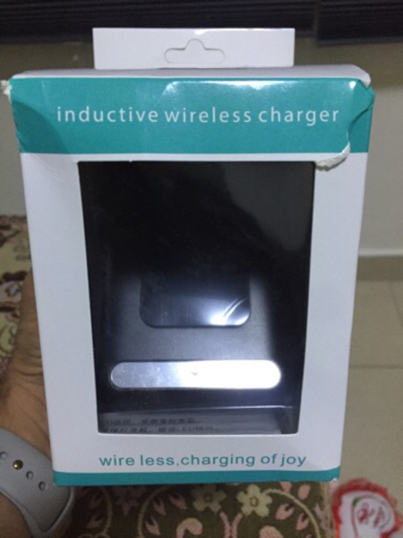 Used Qi wireless Charger with three coils! in Dubai, UAE