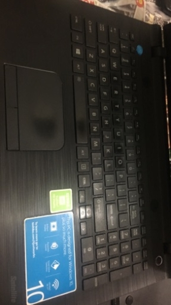 Used Toshiba laptop.. 250gb 4gb ram. in Dubai, UAE