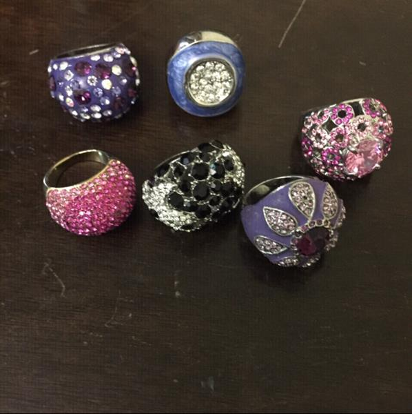 Used Beautiful Rings For You In Excellent Condition Also In A Good Price in Dubai, UAE