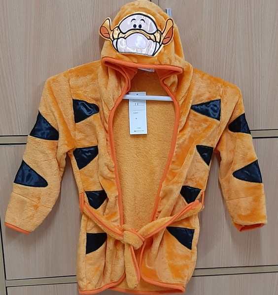 Used 120cm coat for your kid in Dubai, UAE