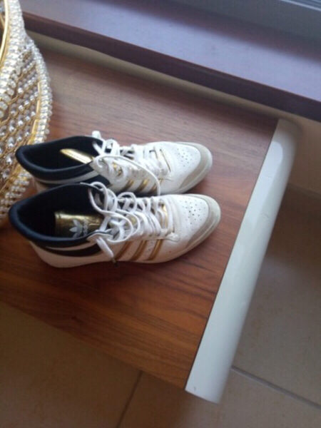 Used 2 shoes sportive and normal in Dubai, UAE