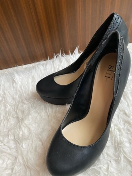 Used Black platform high heels in Dubai, UAE